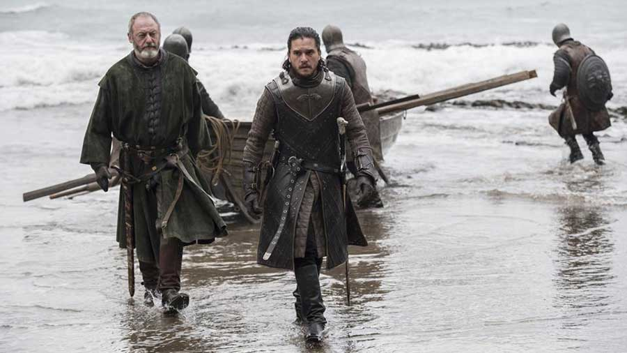 latest photos from episode 3 the queens justice tease the meeting between jon and daenerys 1