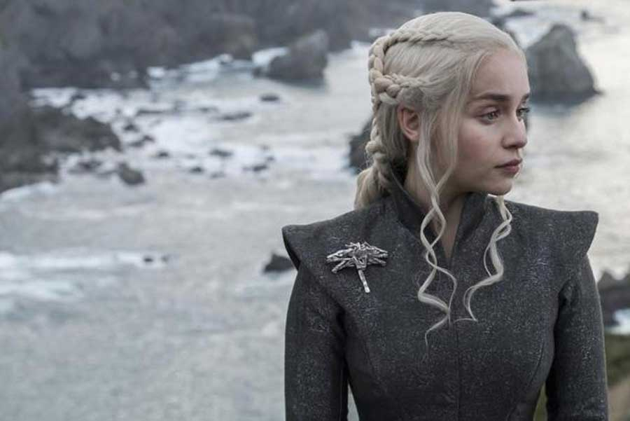 latest photos from episode 3 the queens justice tease the meeting between jon and daenerys 10