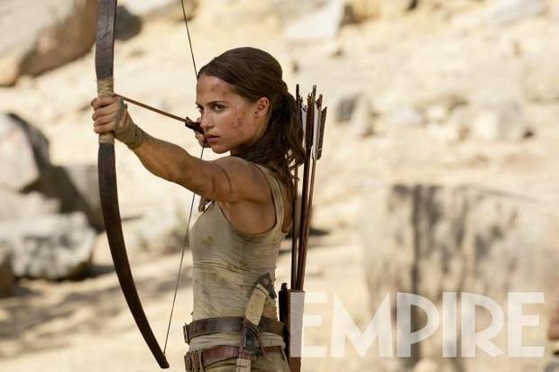 alicia vikander tomb raider bow arrow